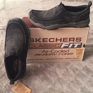 Men's Sketchers new size 10